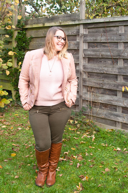 Challenge French Curves Look pink Millennial